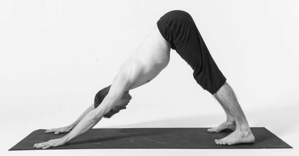 Bondades-del-yoga-para-hombres-